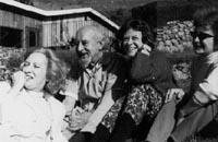 Фритц Перлз в свой первый приезд в Эсален, 1964 г.